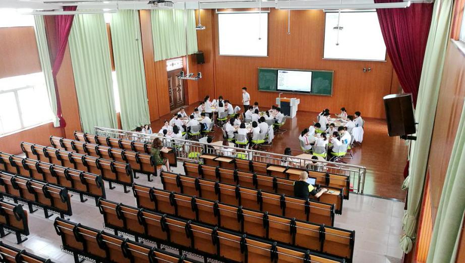 itc精品课堂教学录播系统成功应用于广东佛山市伦教中学.docx